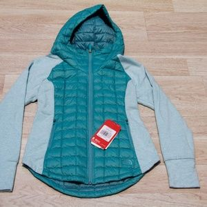 The North Face Women's Performance Jacket Small